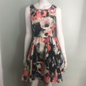 A line dress with exposed back